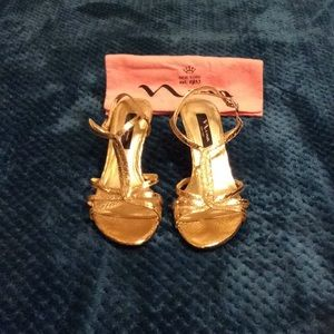 Nina Gold Strappy Sandals.  Beautiful shoes!